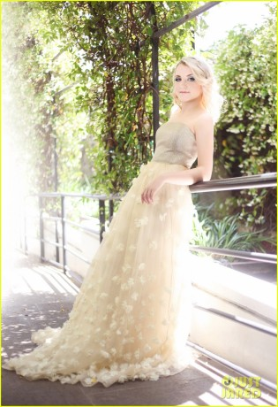 evanna-lynch-just-jared-photo-shoot-01.jpg